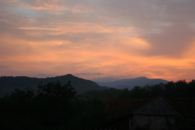 Apus ca fierul inrosit in Sasca / Burning hot sunset in Sasca Romana