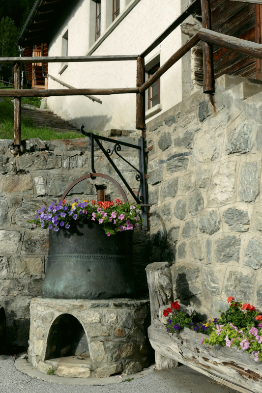 Flowerpots, St. Luc (VS)