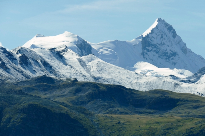 Not far from Matterhorn - Weißhorn (Dent Blanche), Zinalrothorn - view from Tignousa (VS)